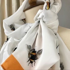 Victoria Beckham for Target Accessories - Victoria Beckham Bumble Bee Scarf